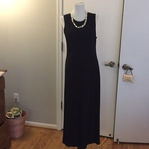 Stretchy black basic dress